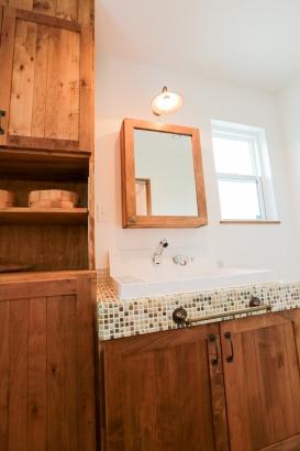 洗面脱衣室、造作棚