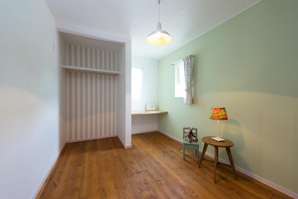 爽やかなグリーンの子供部屋