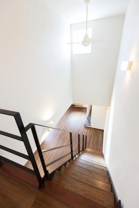 リビング階段 開放的な吹抜け