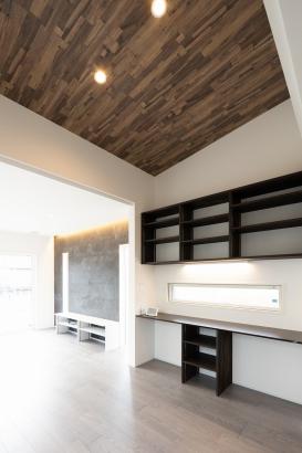 勾配天井のスタディースペース